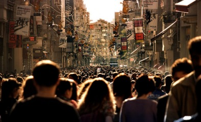 Favim.com-city-crowd-crowded-houses-people-photograph-102466